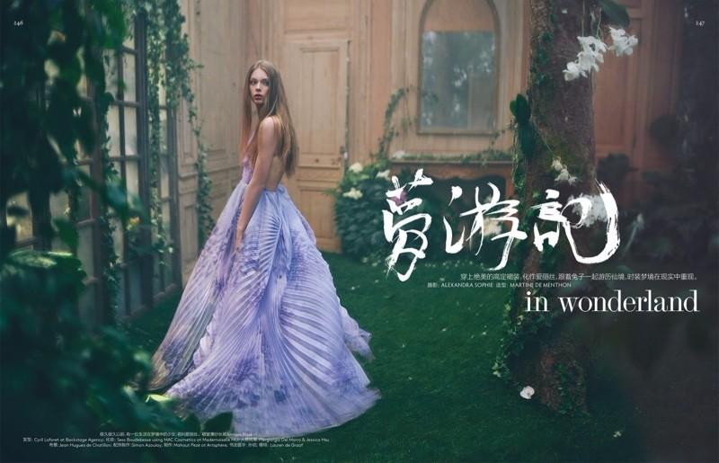 模特: Lauren de Graaf ,摄影: Alexandra SophieVogue杂志中国版2016四月刊时尚摄影大片:梦游记...