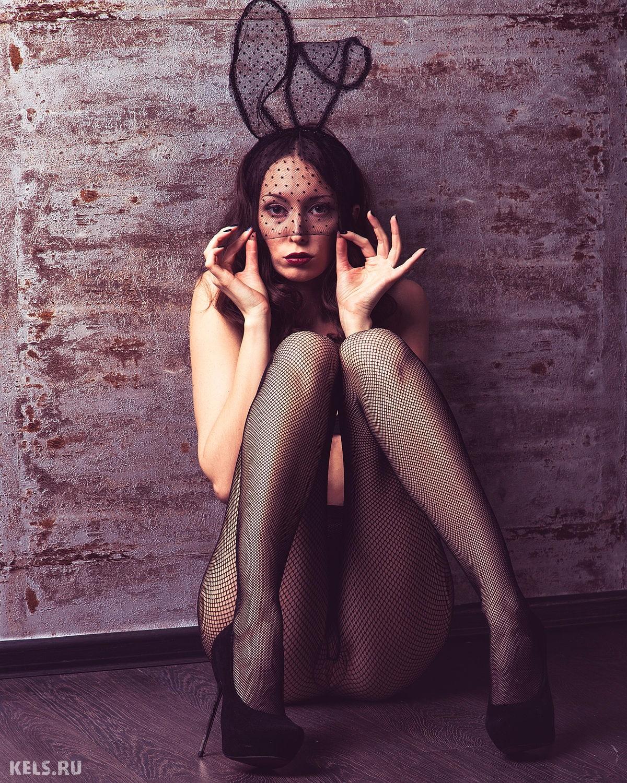 俄罗斯摄影师Andrey Kels的人体私房照:低声细语的情欲