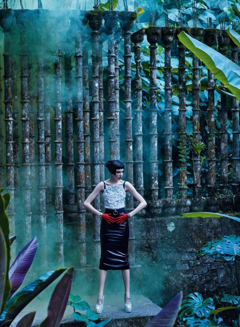 Vogue杂志英国版2016年四月刊时尚春季大片,模特Grace Hartzel出演,摄影由Mikael Jansson!...
