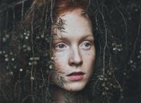 德国少女摄影师:绿色植被中的情绪小清新人像