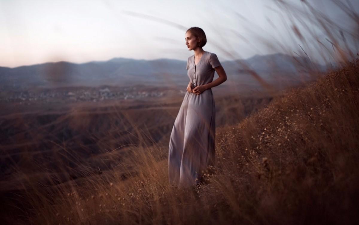 90年出生的俄罗斯摄影师Marat Safin,一直在莫斯科工作,他的艺术摄影作品有天生的诗歌味道,常常会描绘出一幅幅缥缈的风景及美丽的人像。...