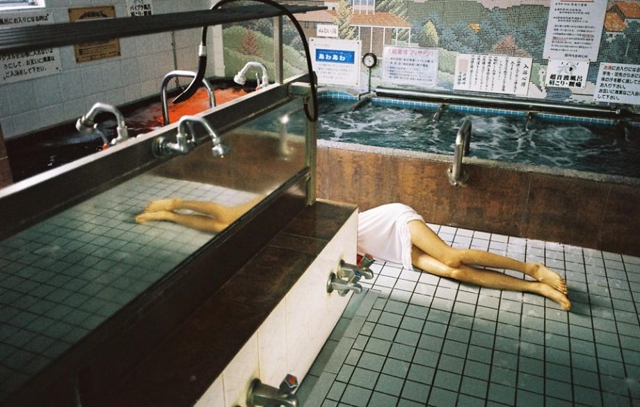 90后日本新锐摄影师,奥山由之(Yoshiyuki Okuyama)的艺术摄影,犹如捕捉了情感的碎片,精神与情感的飘渺,通过镜头呈现,声与色、躁动与平和、哀伤与干......